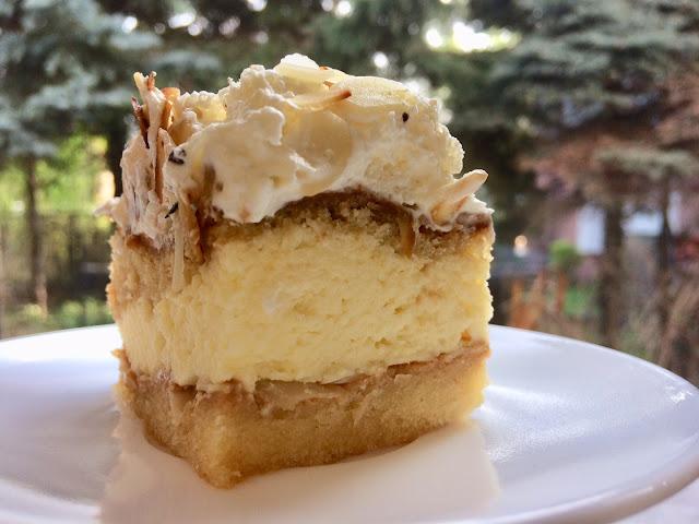 biszkoptowe ciasto z bitą śmietaną i kajmakiem