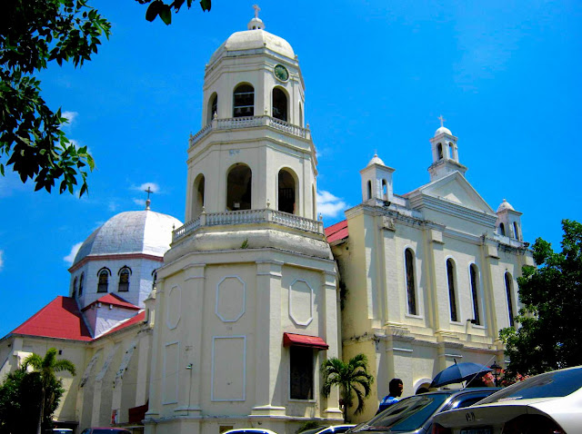 The Minor Basilica of the Immaculate Conception in Batangas City.  Image source:  Eric Jam - Own work, CC BY-SA 3.0, https://commons.wikimedia.org/w/index.php?curid=33151104.