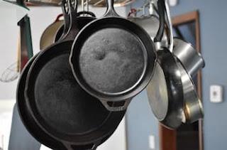طريقة العناية بأواني الطبخ المصنوعة من الحديد الزهر