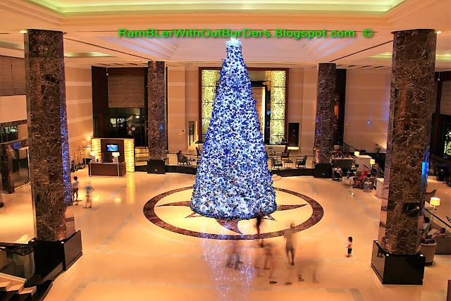 Lobby, Radisson Blu Hotel, Cebu, Philippines