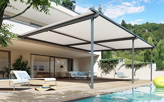 Come riparare da sole e pioggia terrazzi e giardini con tende per ...