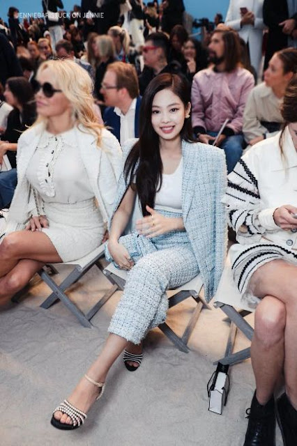 Intip Gaya Jennie BLACKPINK di Paris Fashion Week