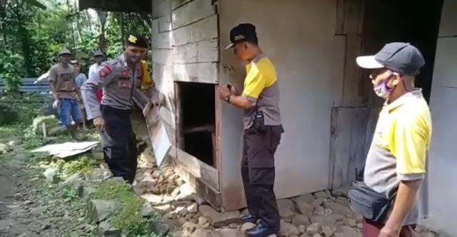 Polsek Rembang Laksanakan Bedah Rumah Tidak Layak Huni di Desa Losari