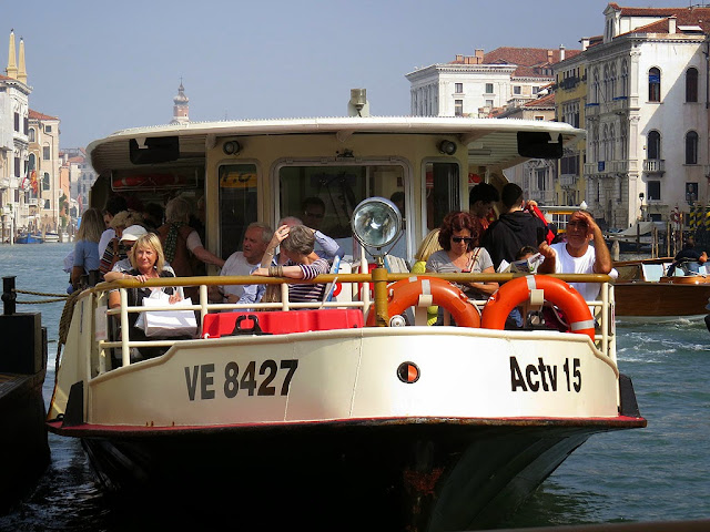 Water bus, vaporetto VE 8427, Grand Canal, Venice