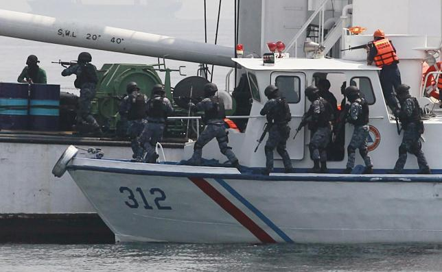 PIRACY RSPONSE: Philippine backs joint patrols against piracy