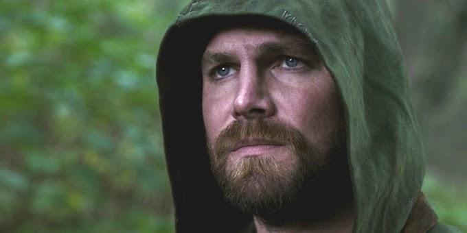 """Oliver Queen morre pra salvar o mundo em """"Crise nas Infinitas Terras"""""""