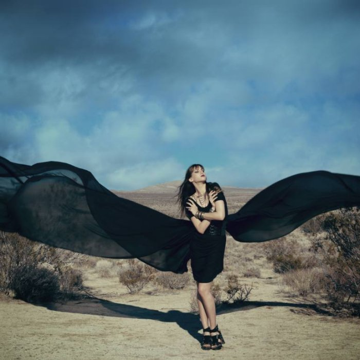 Американский фотохудожник. Elle Hanley (фотограф)
