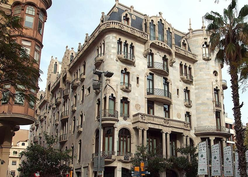 Art and architecture mainly barcelona 39 s very special art - Art nouveau architecture de barcelone revisitee ...