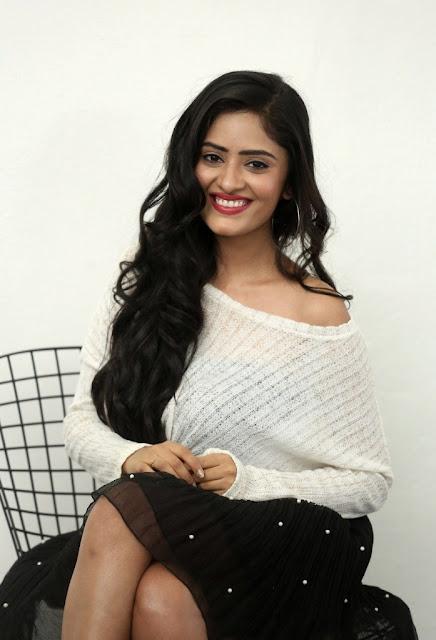 Sanya Sinha Photos