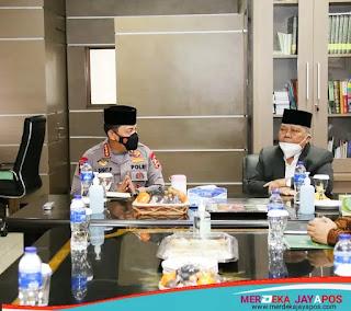 Kapolri menyambangi Kantor Pusat Persatuan Islam /PP Persis Di Bandung