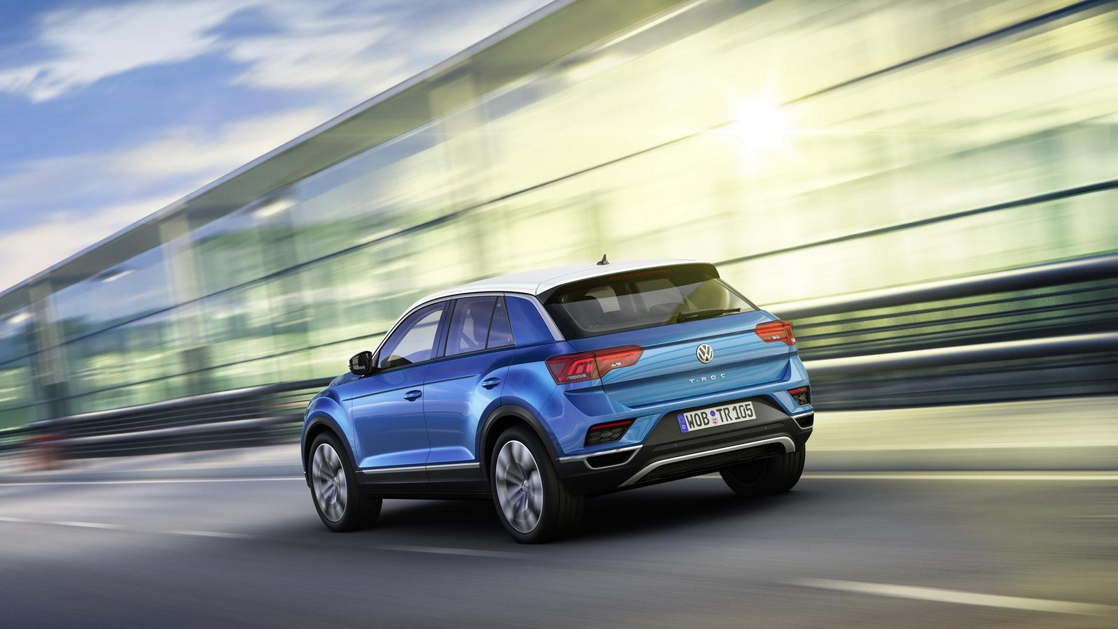 volkswagen 39 s t roc looks to rock the compact crossover. Black Bedroom Furniture Sets. Home Design Ideas