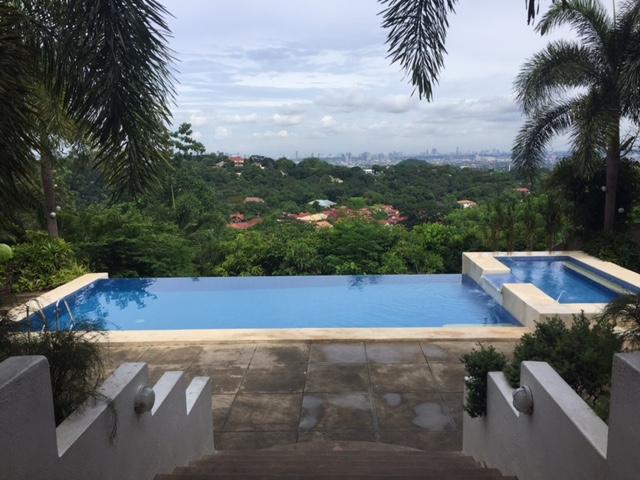 Regin S Realm Mi Terraza Resort In Antipolo City