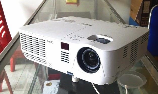 jual proyektor bekas di malang
