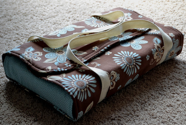 Nap Time Crafts Insulated Casserole Carrier & Etched Dish