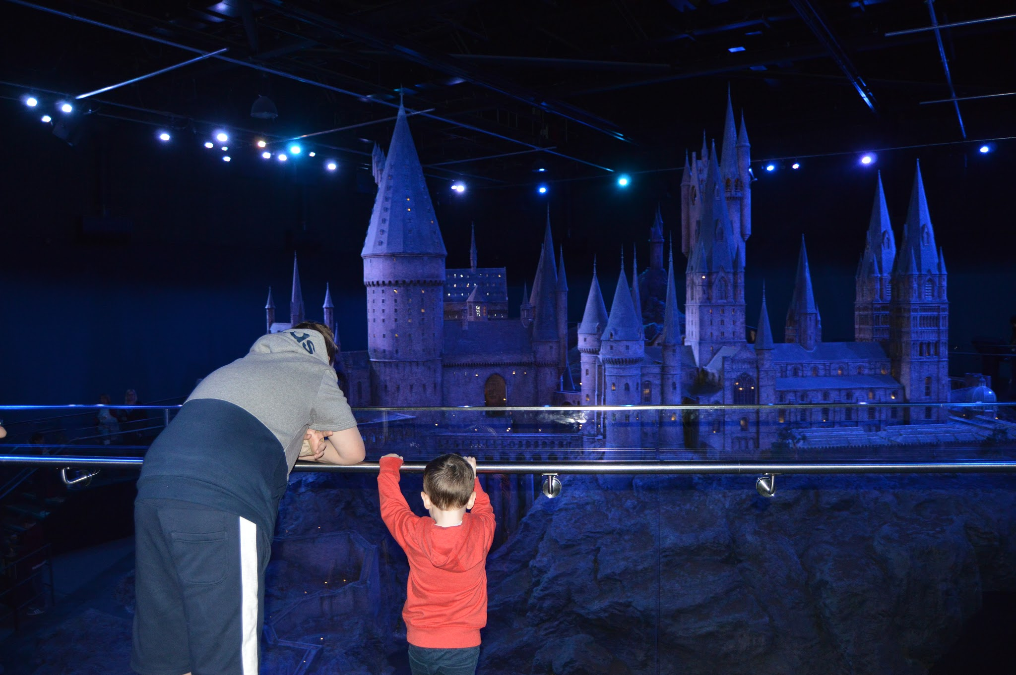 boys looking at Hogwarts castle