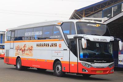 Foto Bus Harapan Jaya 580