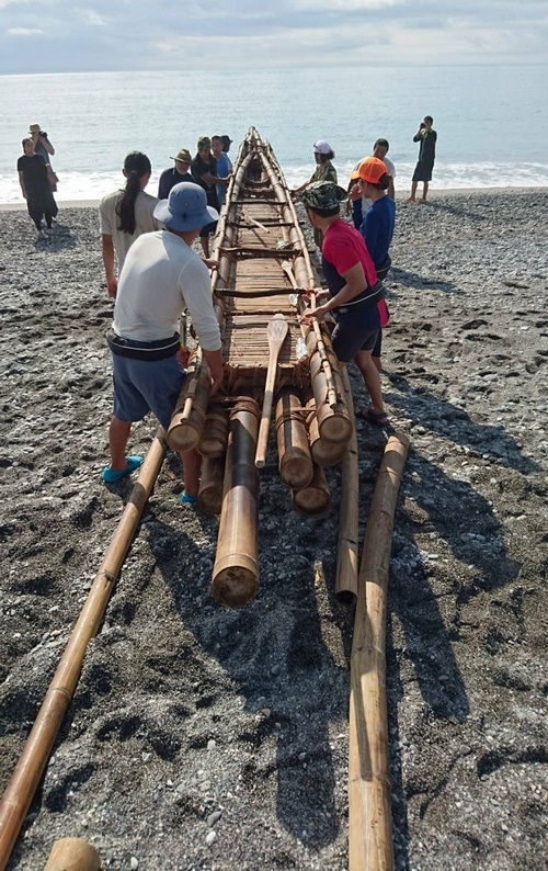 Bamboo raft launched to explore 30,000-year-old historical sea route