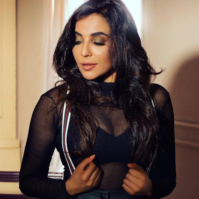 Parvati Nair (Indian Actress) Biography, Wiki, Age, Height, Family, Career, Awards, and Many More