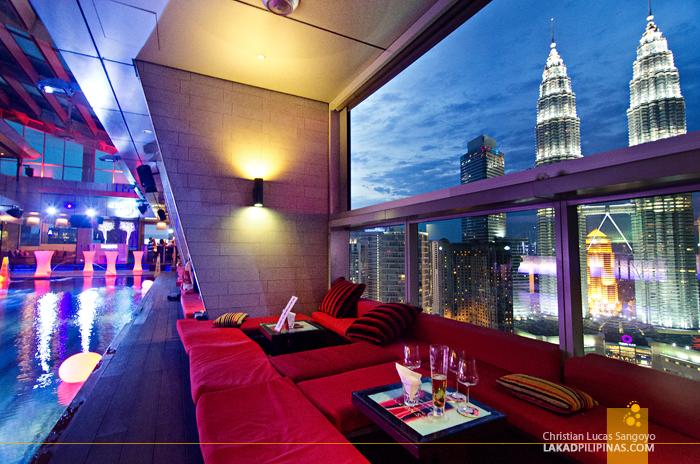 Traders Hotel Kuala Lumpur Pool Lounge