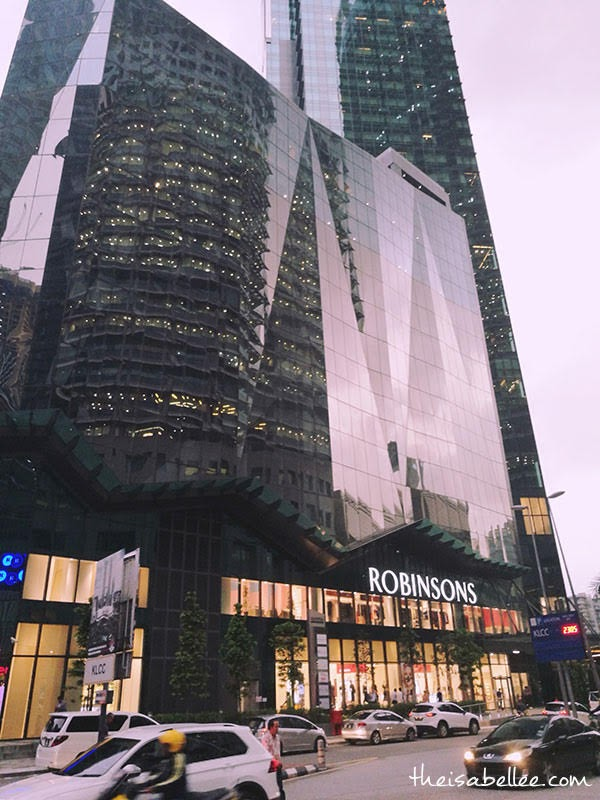 Robinsons Flagship Store outside
