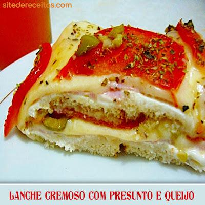 Lanche de forno com presunto e queijo