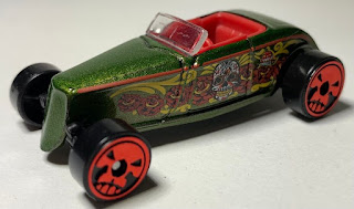 Hot Wheels Halloween 2021 #1: '33 Ford Lo Boy out of package