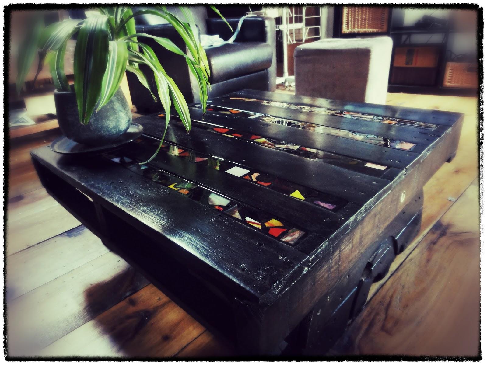 tat second table basse palettes bois. Black Bedroom Furniture Sets. Home Design Ideas