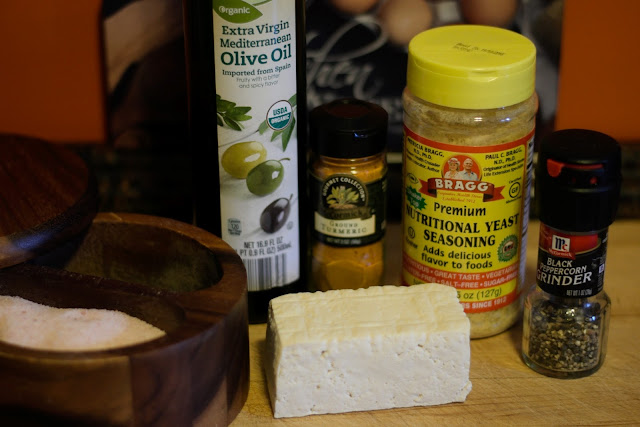 The ingredients needed to make the tofu scramble.
