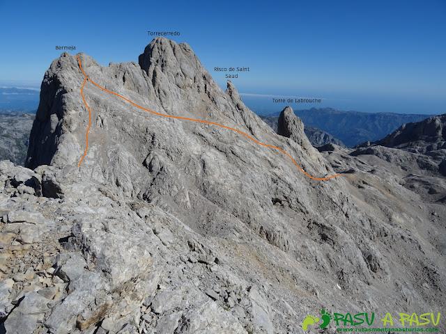Vista de la ruta a la Torre Coello desde la Torre Bermeja