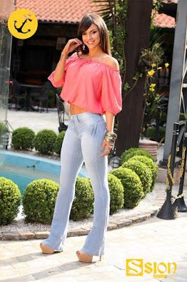 Alto atacado de jeans