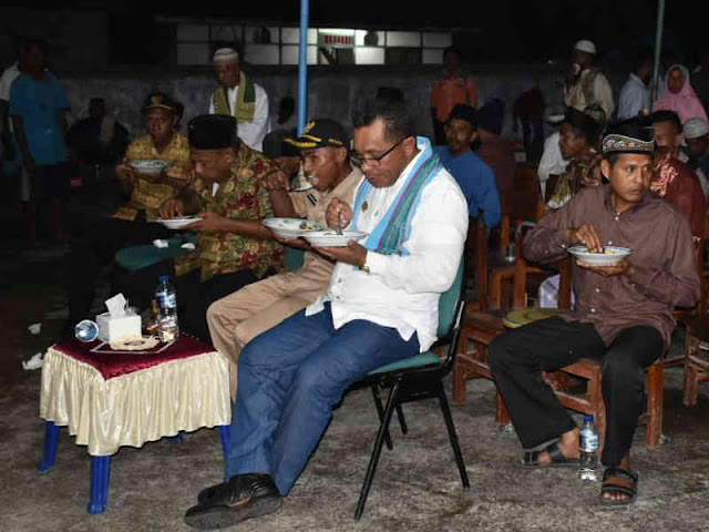 Petrus Fatlolon Lakukan Safari Ramadan 2019 di Kecamatan Wuarlabobar