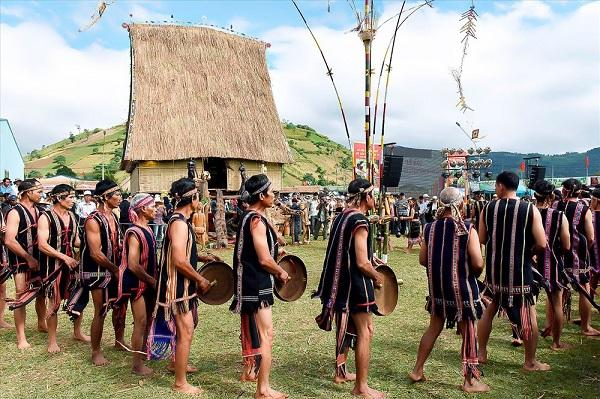 Lễ hội Cồng chiêng Tây Nguyên