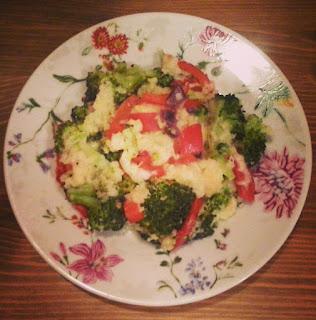 Kasza jaglana zapiekana z brokułami i papryką