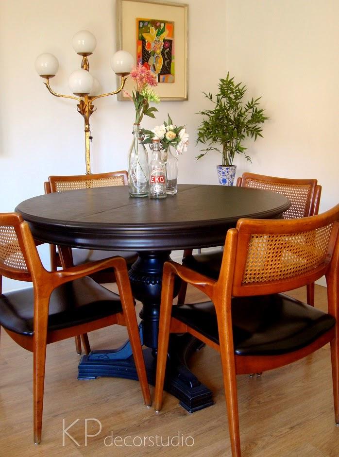 Comprar conjunto de sillas de madera para comedor. Tienda de muebles de época en valencia.