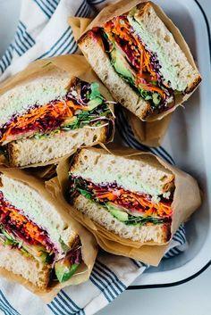 ultímate raínbow veggíe sandwích