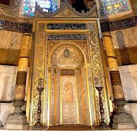 Ayasofya Camisi mihrabının bir fotoğrafı