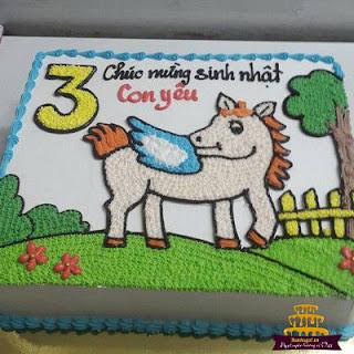 Bánh-sinh-nhật-hình-con-ngựa-bá-đạo