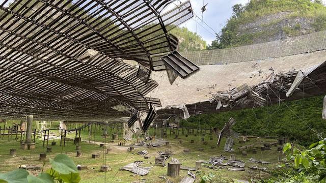 Observatório do Arecibo danificado
