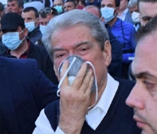 Ex Primo Ministro Sali Berisha e incriminato dal PS per diffondere falsi informazioni con immagini montate