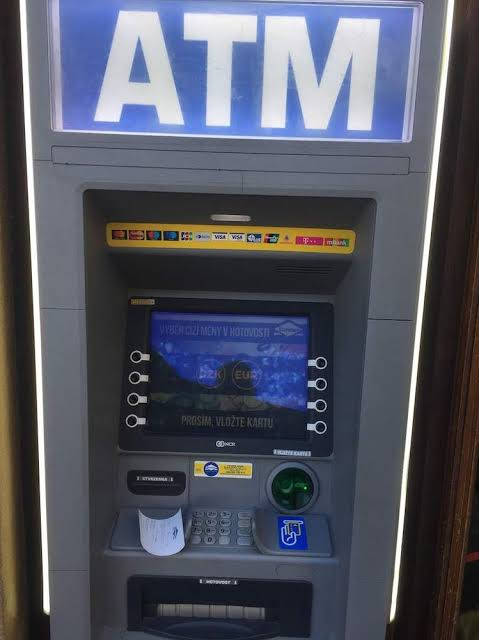 This young man stole an ATM machine to find his unhappy love.