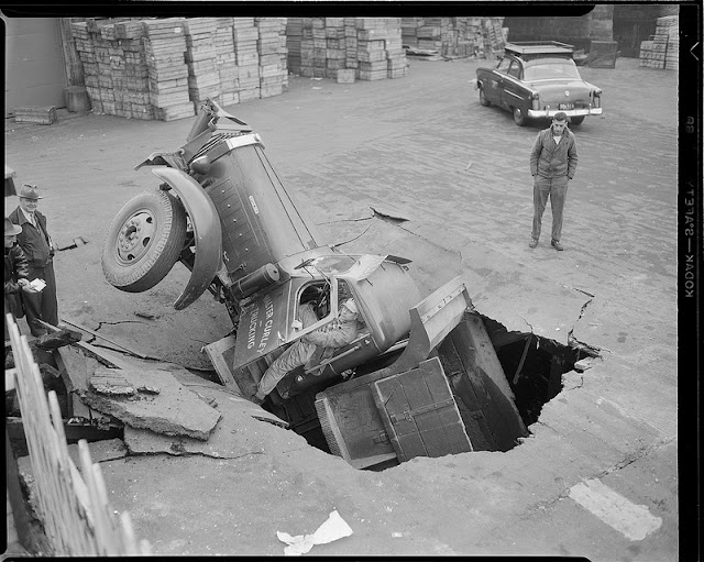 50 Impressive Vintage Photos Of Car Accidents From Between The 1930s And 40s Vintage Everyday