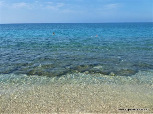 agua cristalina en playas de Cabo de Gata