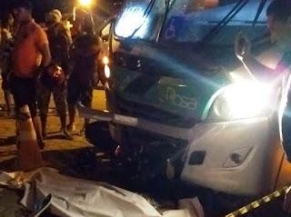 224 - Dois homens morrem em acidente entre micro-ônibus e moto no bairro Papagaio