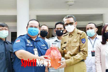 Bantuan Dari FKIJK Untuk Disalurkan Kemasyarakat Terdampak Covid-19 Diterima Gugus Tugas Sulsel