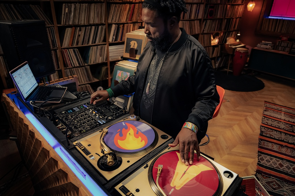 Questlove to Teach Music Curation and DJing
