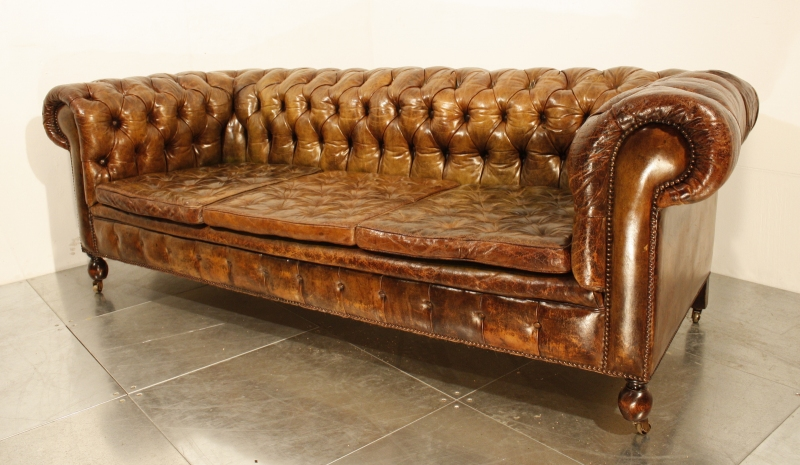 47 Park Avenue A vintage 1920's leather chesterfield sofa!