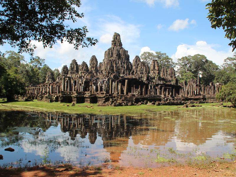 Bayon Angkor Thom Reflejo Lago