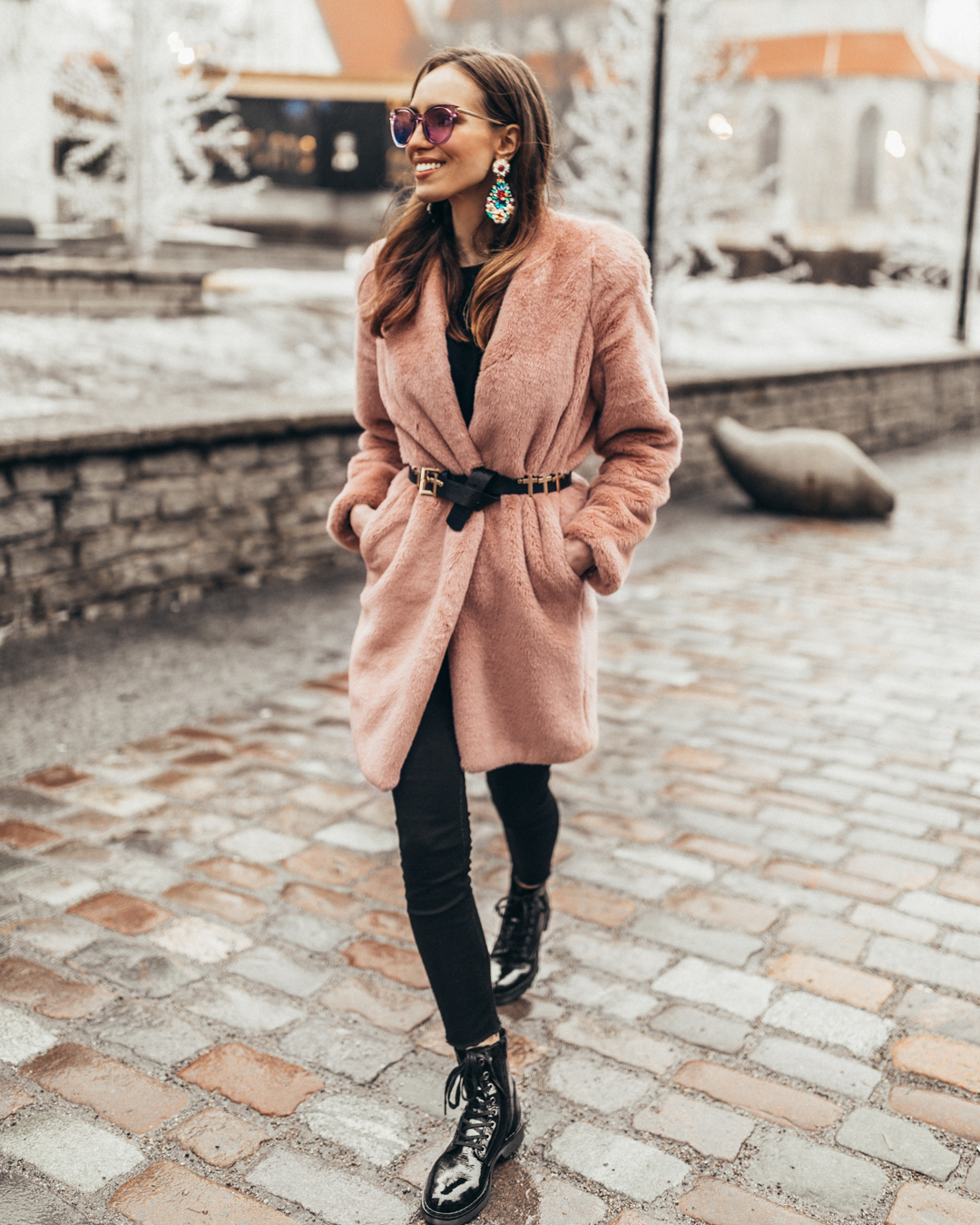 pink faux fur coat outfit spring