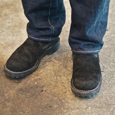 履き込み期間5ヶ月が経過したウエスコ製スリップオンブーツ、ブラックカウハイドを使用したカスタムロメオ。