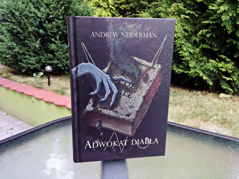 Adwokat diabła, The Devil's Advocate, film, książka, Andrew Neiderman, recenzja książki, Wydawnictwo Vesper, horror, literatura grozy
